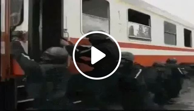 Soldiers are training to save people on trains