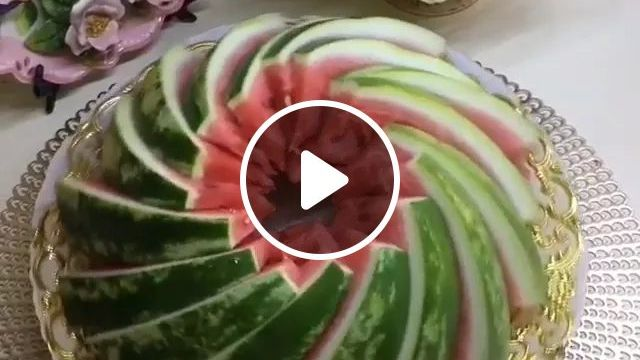 How To Cut A WaterMelon - Video & GIFs | Cooking tools, fresh fruits, food decoration