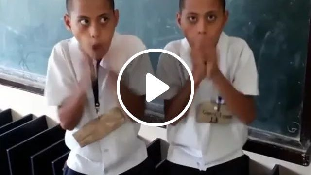 In Class, Two Students Performed Amazing Beatbox Performances - Video & GIFs | class, education, student, performer, beatbox, great