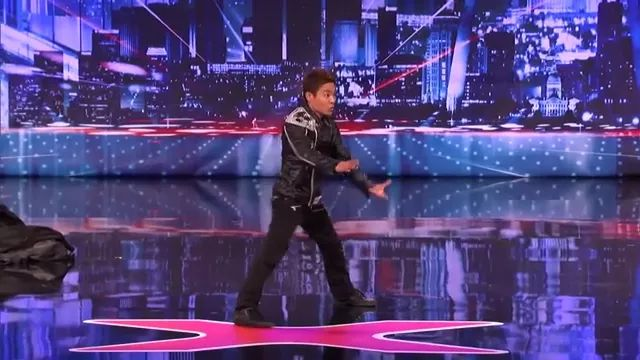 a man performed dance in talent show