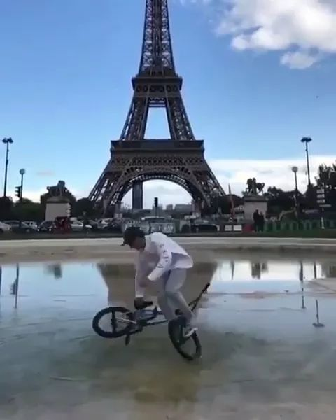 Bicycle performances and French tour