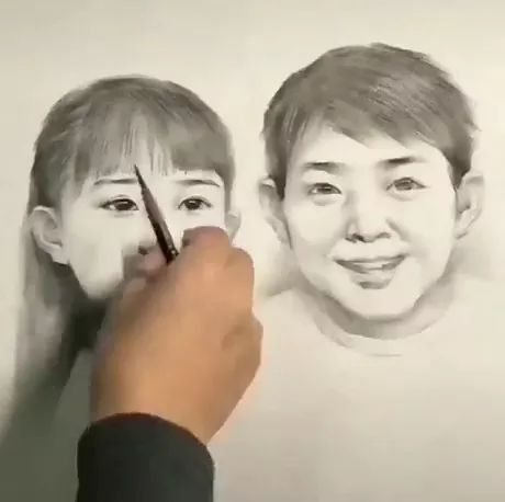 Art of portrait with pencil - Video & GIFs   artistic portrait,pencil,drawing tools,talented man