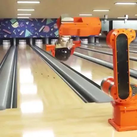 Robotic arms can play bowling