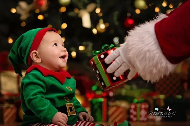 My son's First Christmas pictures came out better than expected. The magic in his eyes melts my heart. (X-posted r/beyondthebump)