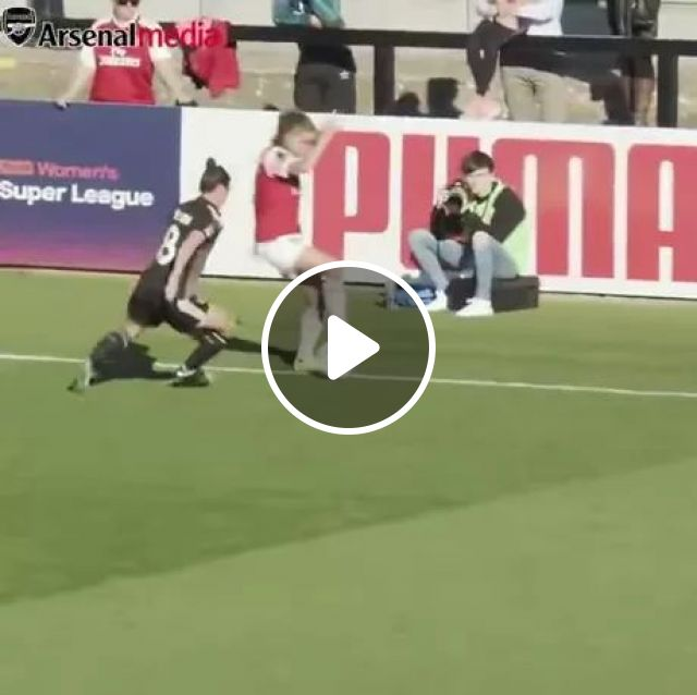 Very Good Football Player - Video & GIFs | football players, soccer skills, lawns, sports, sportswear, sports shoes