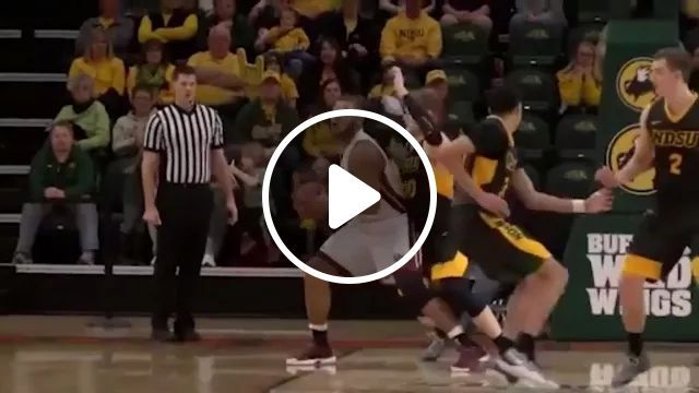 Basketball Players Score In Their Teams - Video & GIFs   Basketball players, sports fashion, sports shoes, scoring