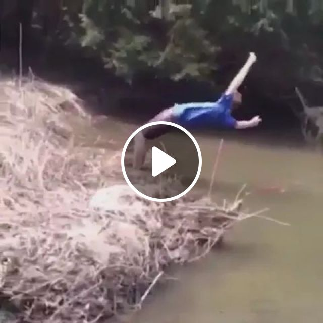 jump over ditch failed, Funny men, men's fashion clothes, fashion shoes, America travel