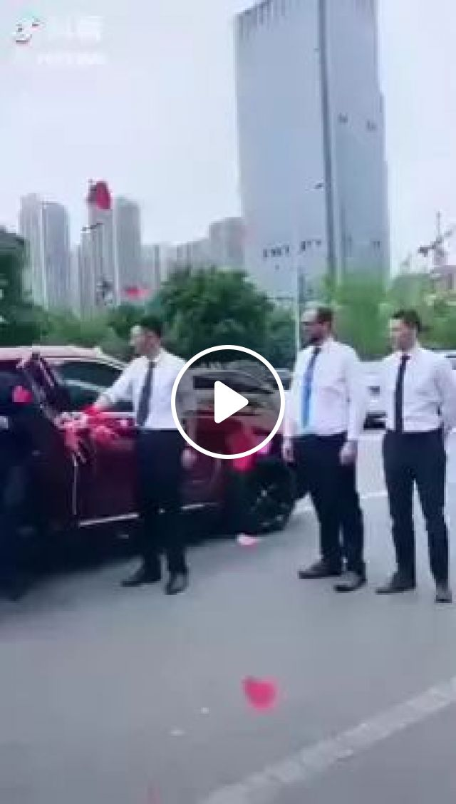 Groom Is Thinking Where He Will Go - Video & GIFs | Groom, bride, fashion wedding dress, luxury car