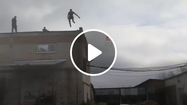 a man fled police, jumping from roof of house to road