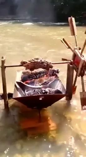 tourists are waiting for barbecue in stream