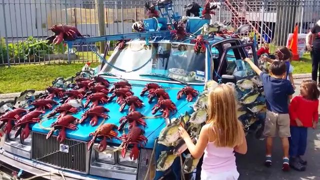 car is decorated and played by marine animals
