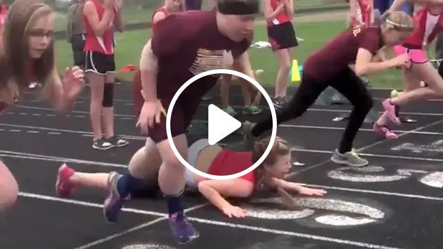 girl fell at start of jogging competition, Girl, sports fashion, sports shoes, track, jogging
