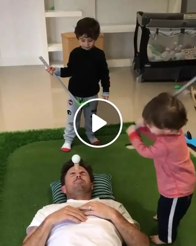 Dad And Golf - Video & GIFs   Funny baby, baby clothes, golf clubs, interior apartments