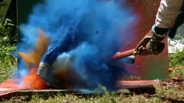 It was amazing, colors mixed together when hammer hit paint cans - Video & GIFs   amazing, colors, mixed, together, hammer, paint cans