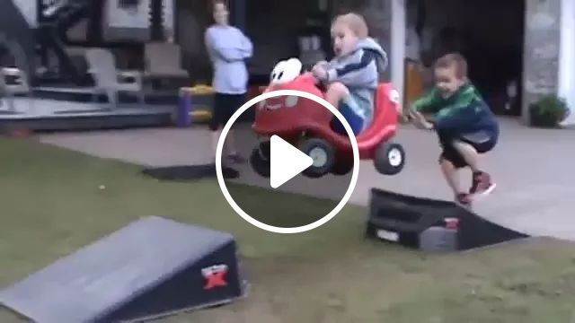 Baby driving toy car overcomes obstacles, Talented baby, baby clothes, toy cars