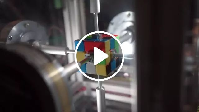 Machine solves Rubik's Cube