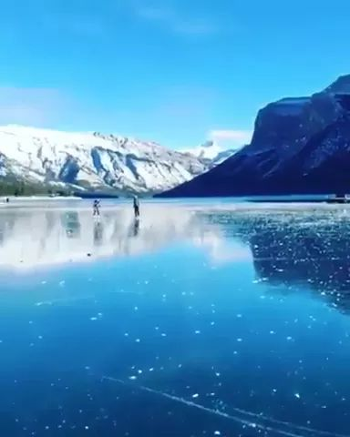 lakes of Banff, Alberta, Canada are well known for their incredible clarity - Video & GIFs | lake banff,alberta,canada,tourism,famous,winter fashion,incredible clarity