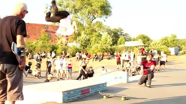 His great jump on the skateboard - Video & GIFs | man,male fashion,jump owl,awesome,skateboard