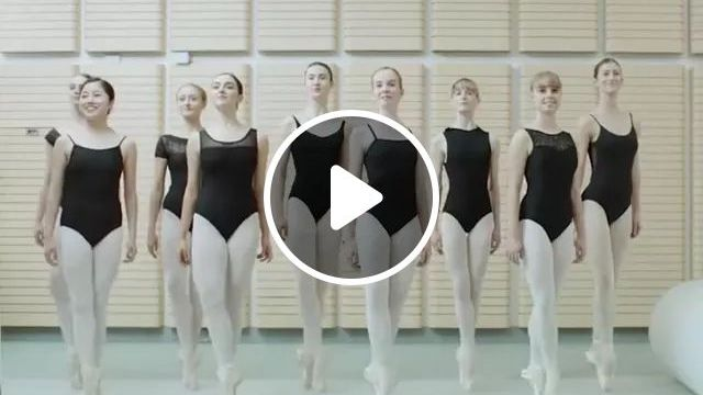 Bale Dancers Are Performing Dance - Video & GIFs | bale dancers, sports fashion, performing, dancing