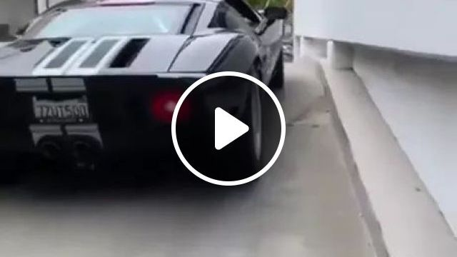 Ford GT40 Can Overcome Automatic Barriers - Video & GIFs | ford gt40, automatic barriers, sports cars, luxury cars, luxury apartment buildings, luxury vehicles