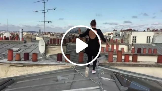 performance girl jumped on the roof
