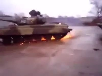 tank runs very fast on the road - Video & GIFs | tank, engine technology, manufacturing technology, science, army, road
