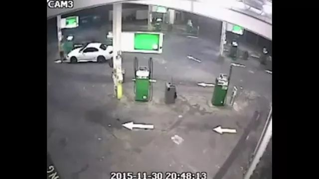 Camera records scenes, men steal luxury cars in gas stations