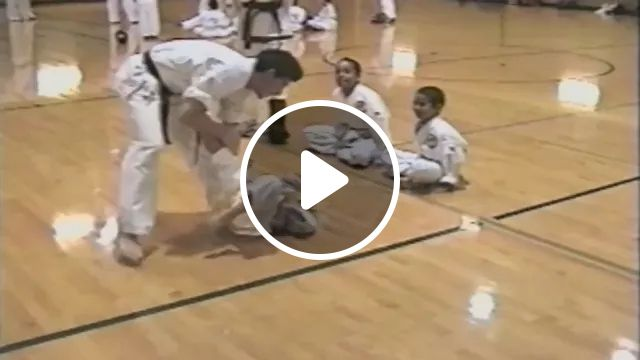 Hero and save friend, Smart kids, learn martial arts, martial arts, teachers, exercise health